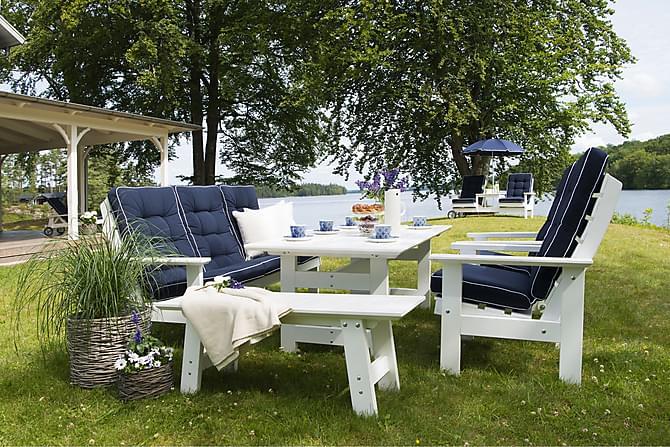 Hillerstorp Herrgård Sofagruppe Bord + Sofa + 2 Lenestoler - Hvit Bullerö Benk - Hagemøbler - Velg etter materiale - Tre & teak